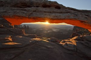 _JJC7440 Mesa Arch with sunburst.jpg